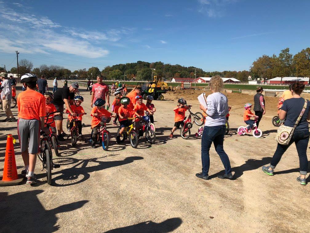 Kids lining up for the pre-K/Kindergarten race