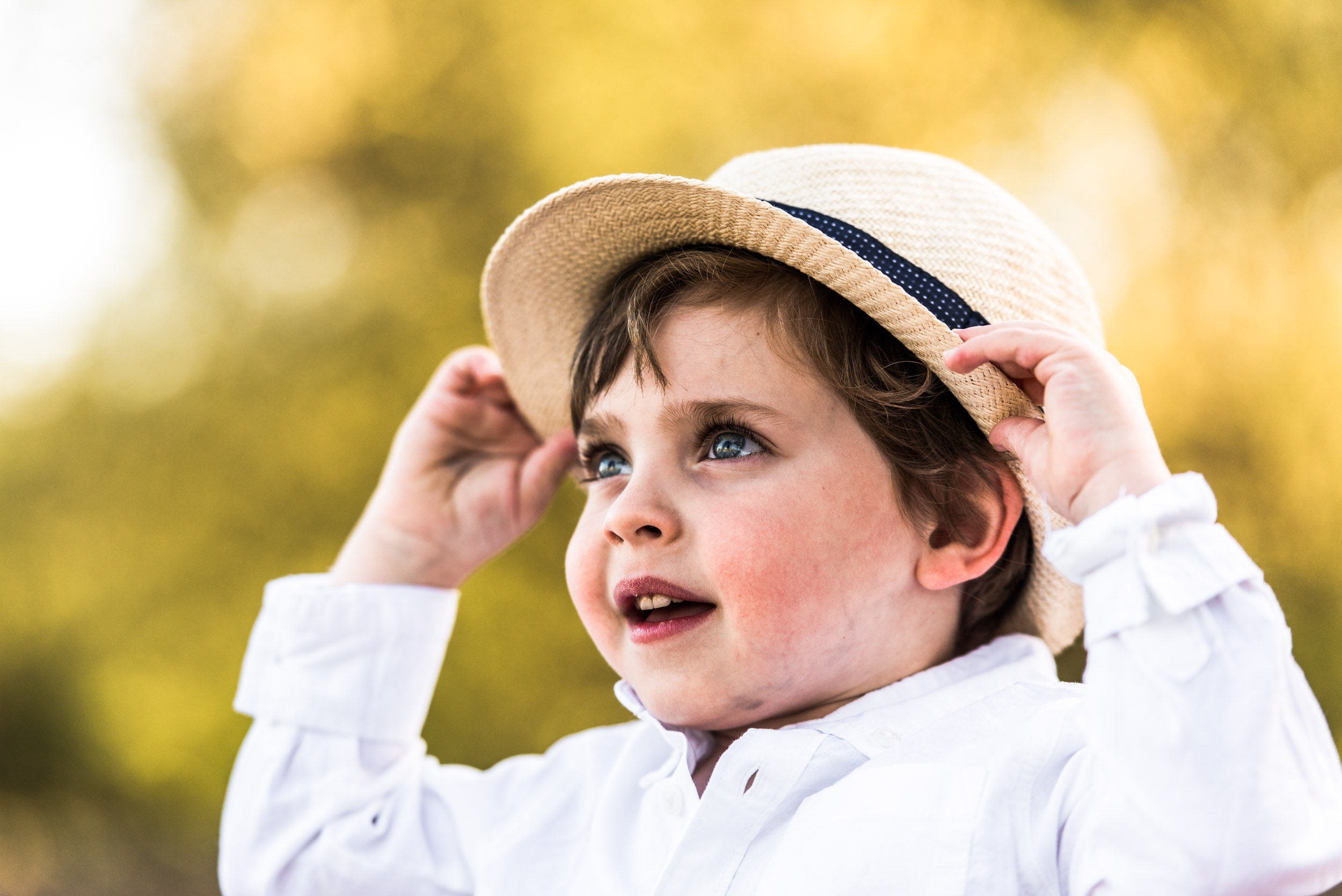 lisa hu chen orange county lifestyle photographer | sonoma california outdoor family session | blair thurston boutique retreat for photographers | little boy in cute hat