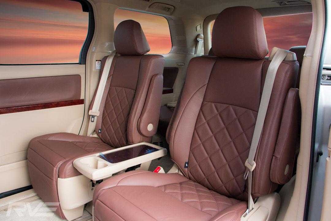 Toyota-Vellfire-Interior-2.jpg