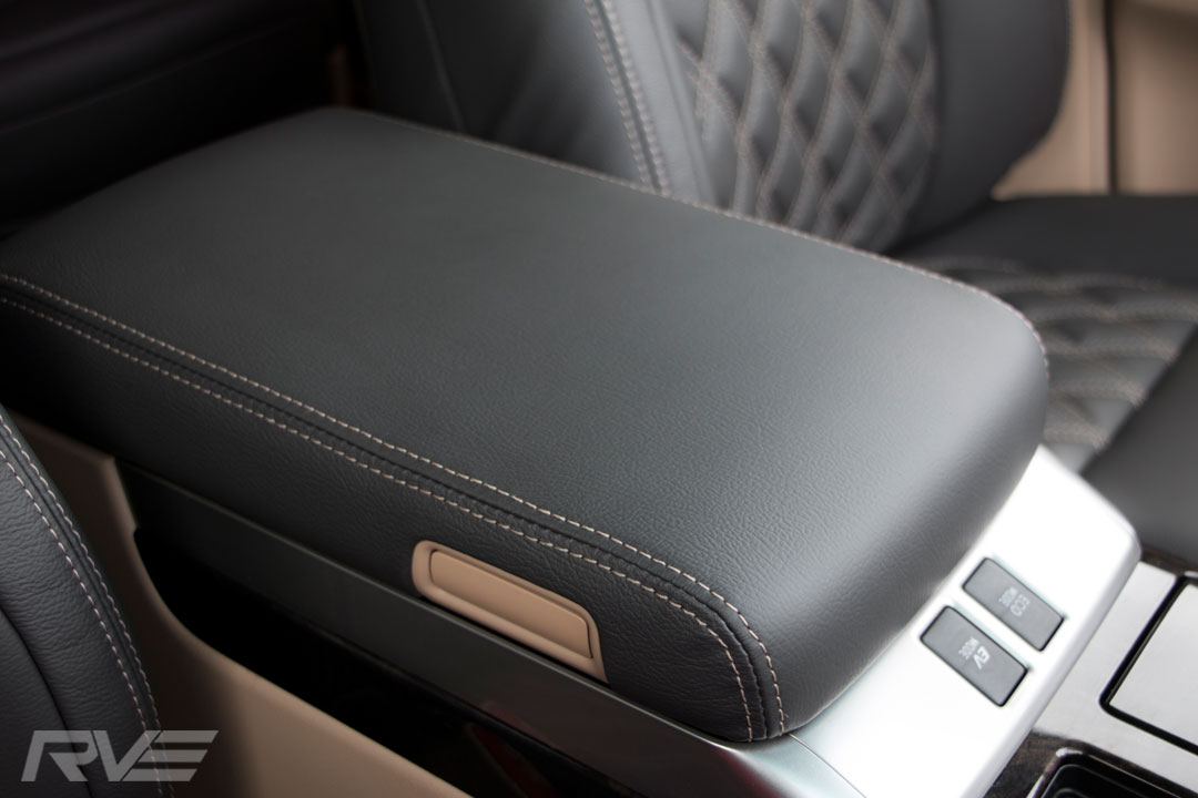 Toyota-Vellfire-Interior-7.jpg