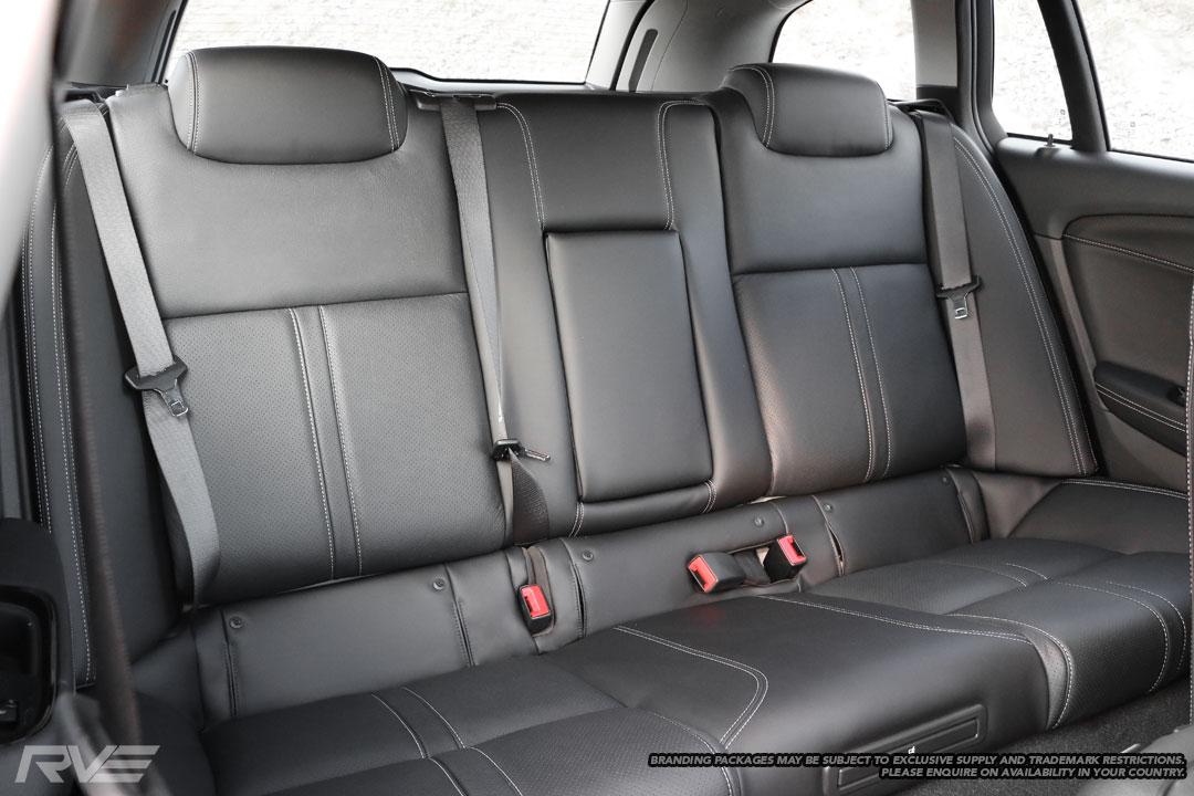Holden-SV6-Interior-3.jpg