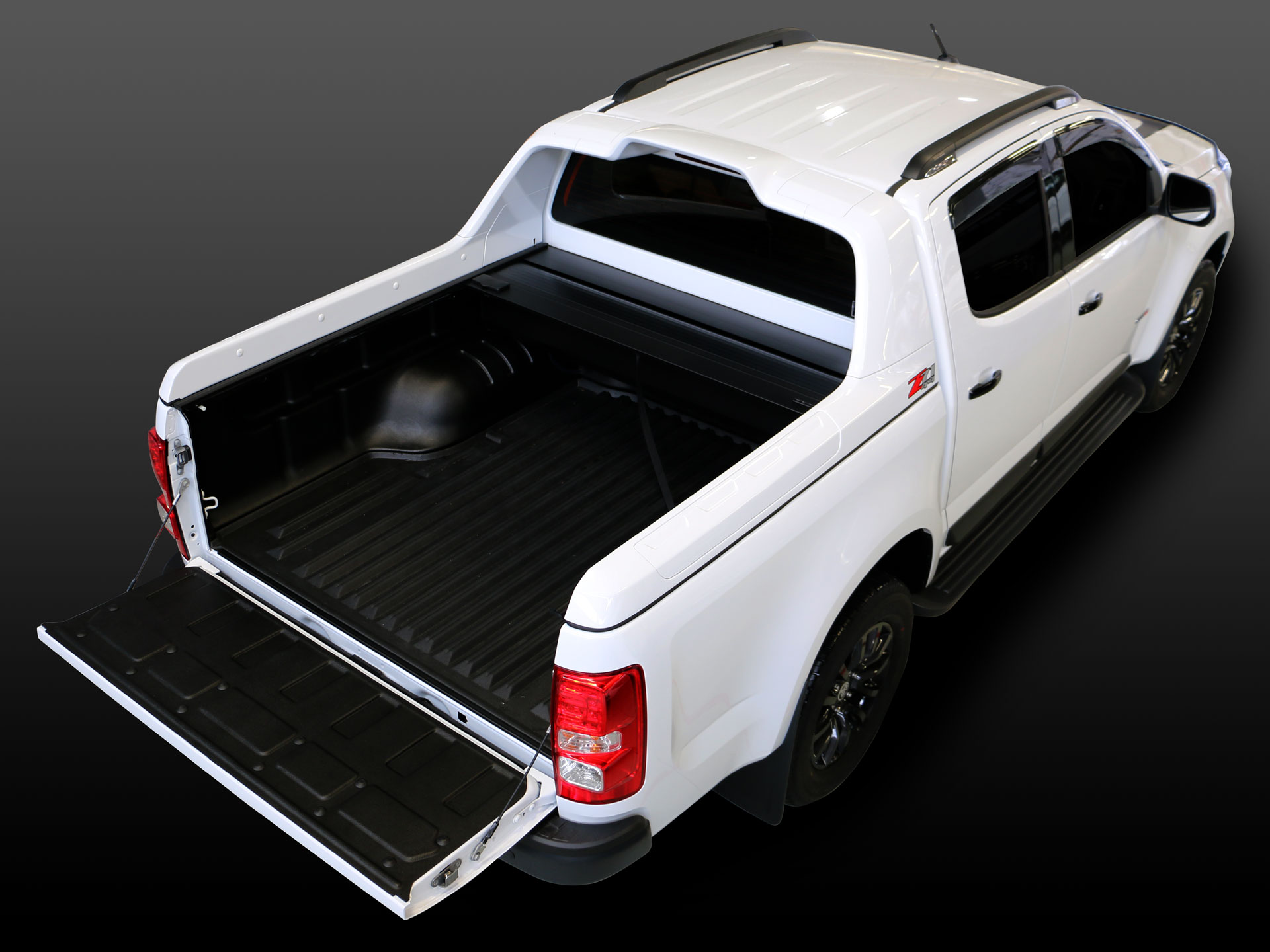 Holden Colorado Z71 with ROC Retractable Hard-Lid