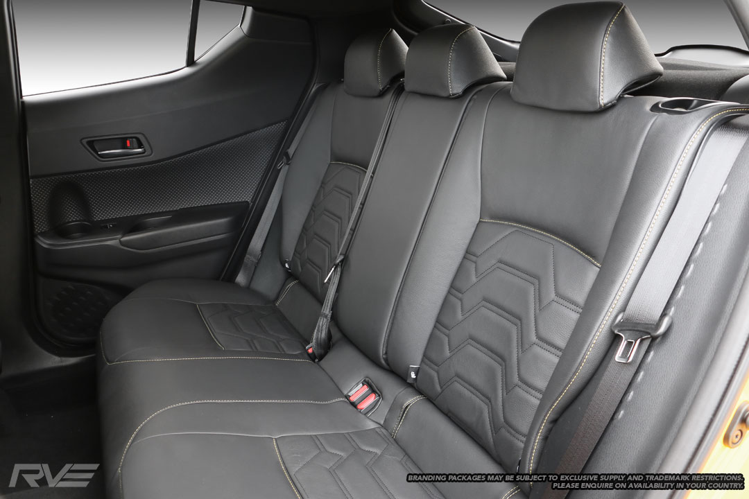 Standard seats in black leather, yellow outer stitching and black Armour stitched inserts.