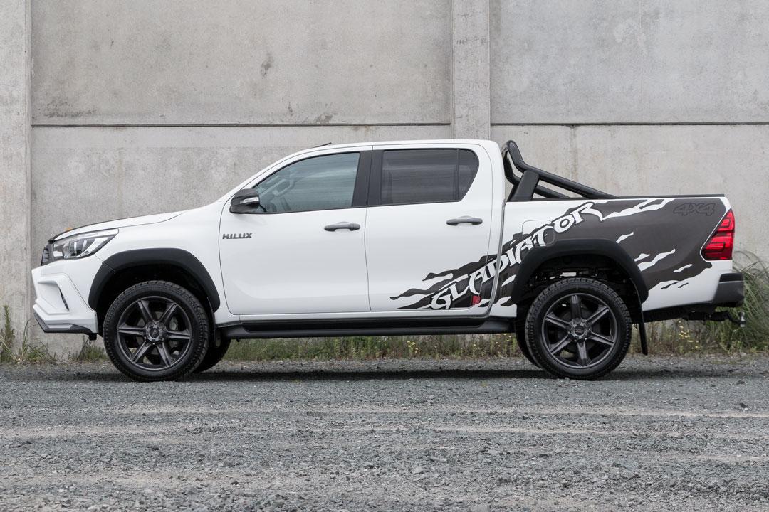 Toyota_Hilux_white_side_hero.jpg