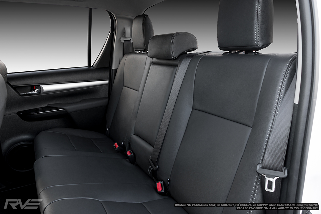 Standard leather interior in black leather with flat inserts and silver stitching.