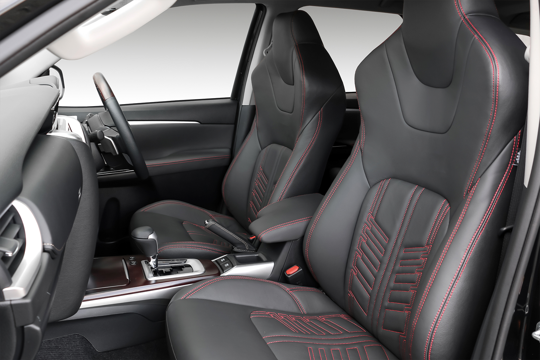 Gladiator interior in black with red stitching