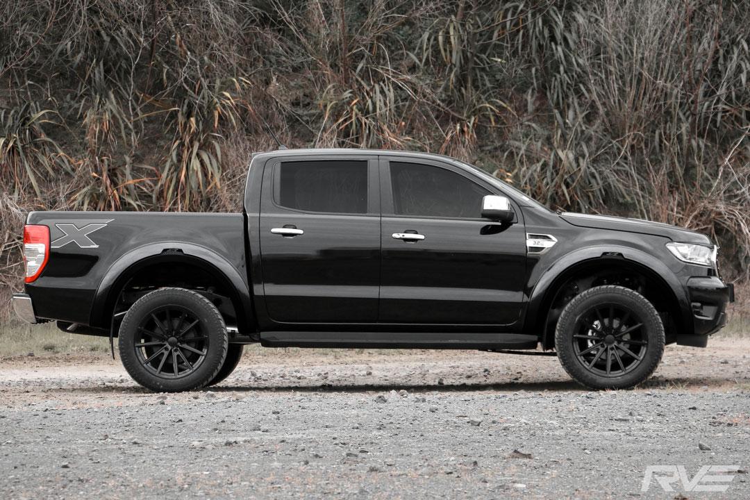 Ford-Ranger-XLT---Widebody_Side.jpg