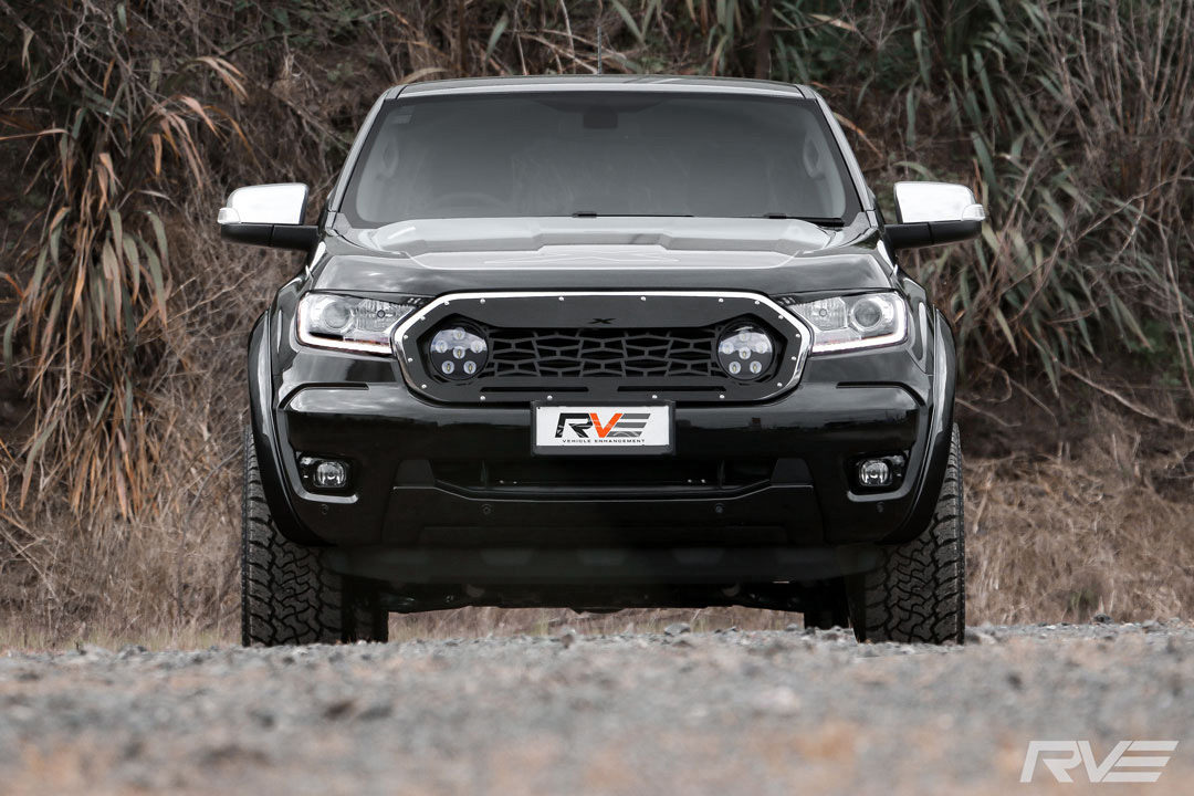 Ford-Ranger-XLT---Widebody_Front_On.jpg