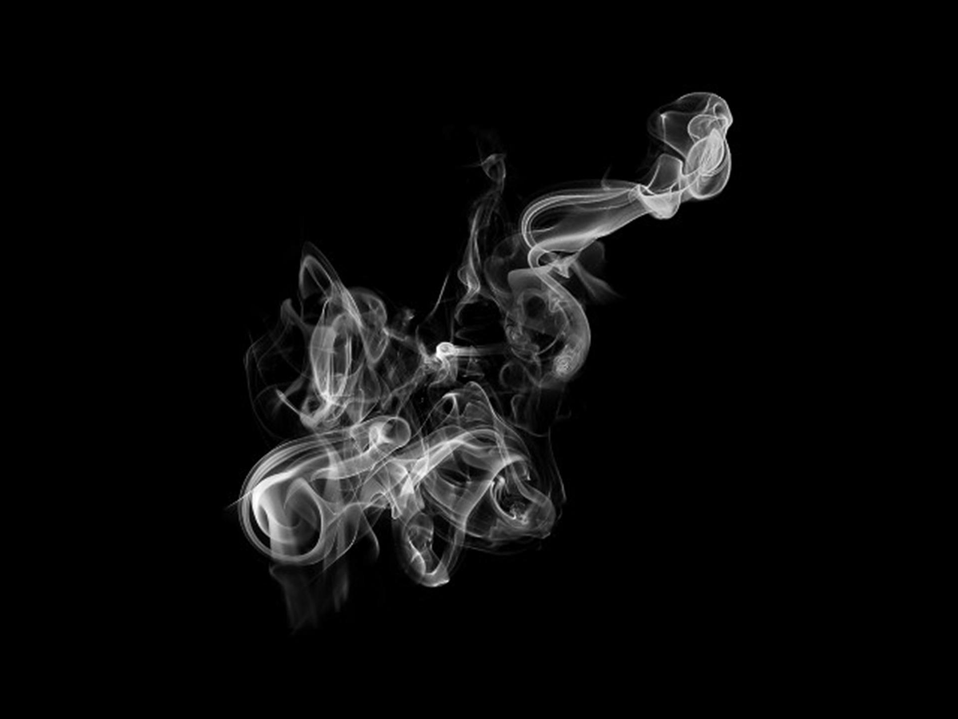 smoke-2214167_1920.jpg
