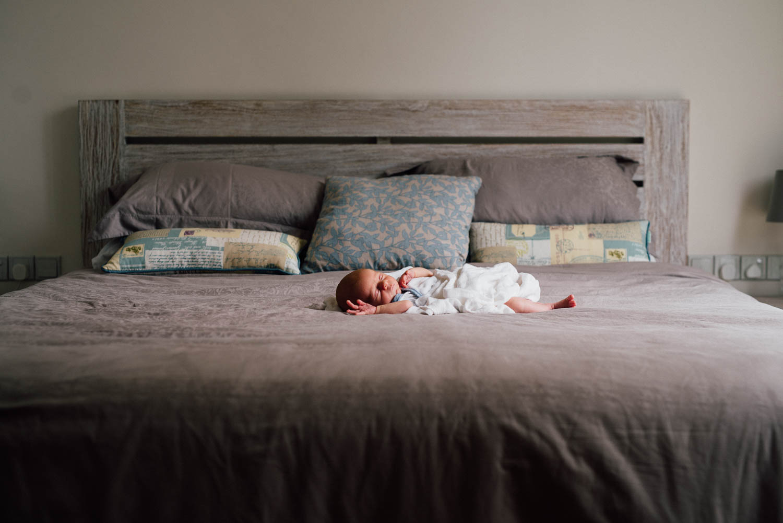 newborn_at_home_photo_session-25.jpg
