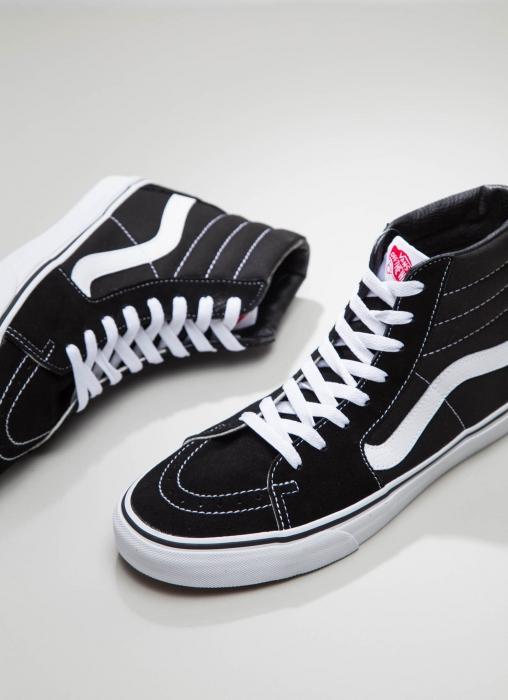 Sk8-Hi Sneaker - Black