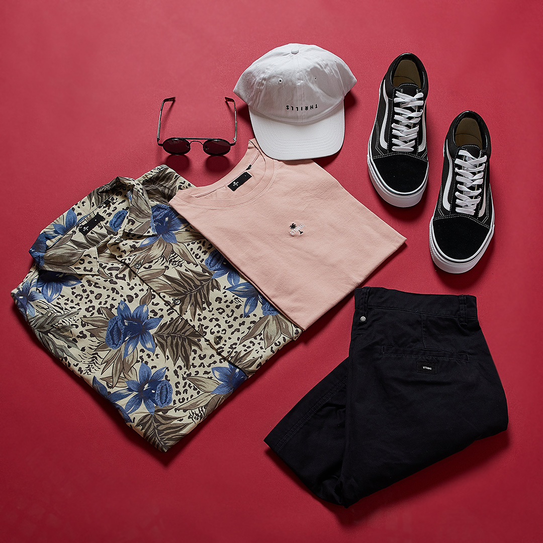 LOOKING FOR FESTIVAL THRILLS ? - Lets get comfy in the Jungle Shirt - Natural Yarage wear this over the top of the Centre Front Palm Tee - Rose Dust paired with the Chopped Chino Short - Navy and you will get into that festival vibes Accessorize with the Thrills Classic Country Cap - White, Old Skool Sneaker - Black + White and Lennon 2 Sunglasses - Black/Black to keep you looking your best