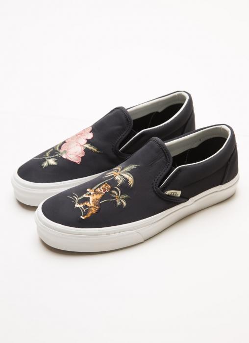 Vans - Slip On DX California Souvenir Sneaker, Black