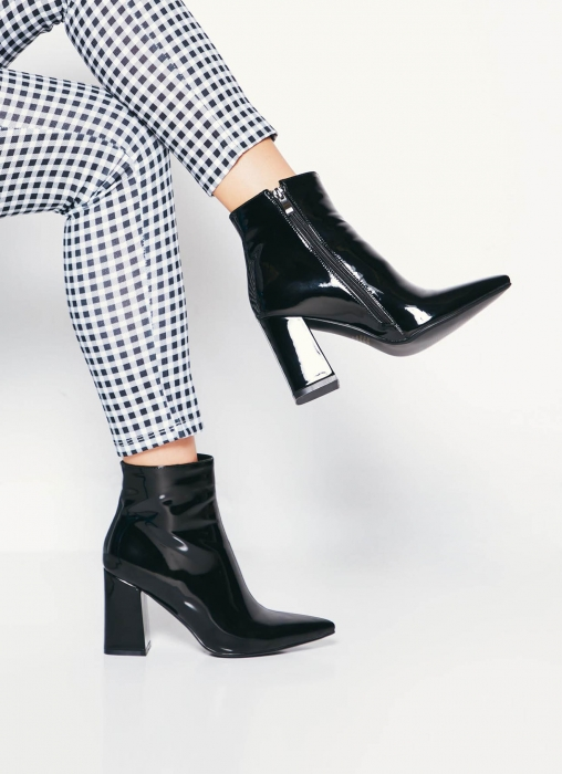 Therapy Shoes - Alloy Boot, Black Patent