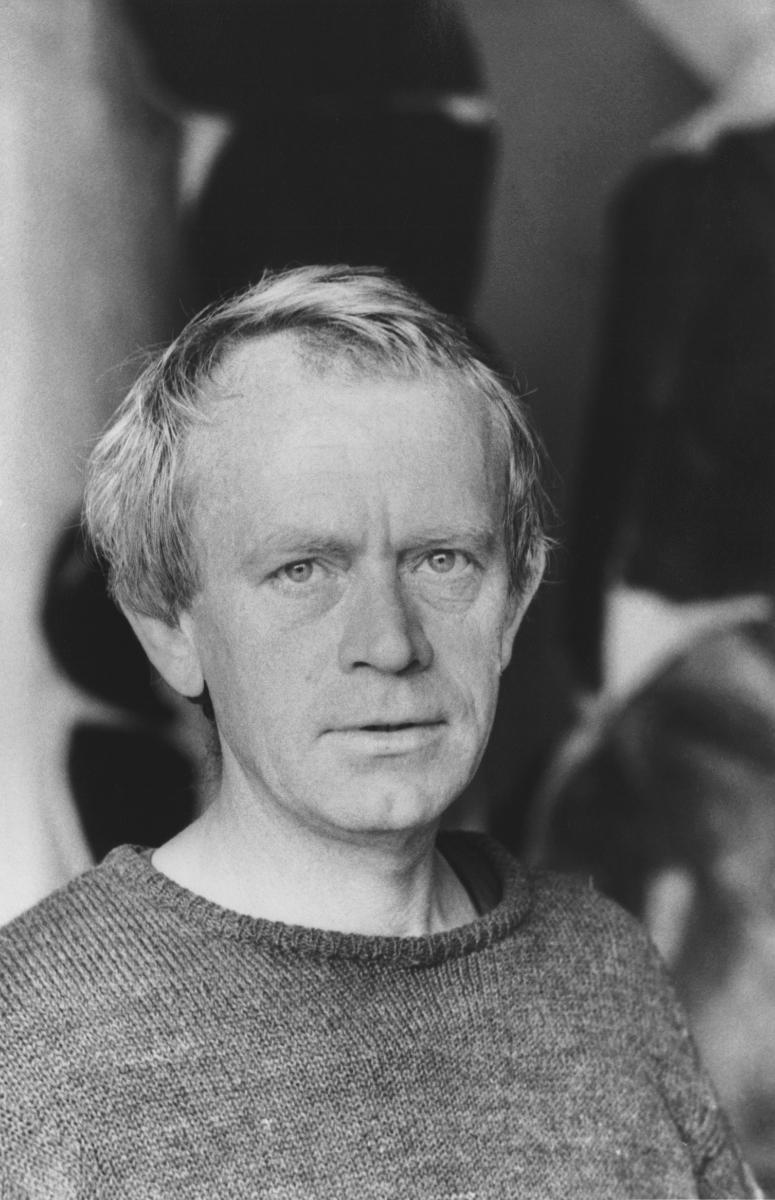 Simon Hantaï in 1968, E. Boubat via Paul Rodgers / 9W Gallery  .