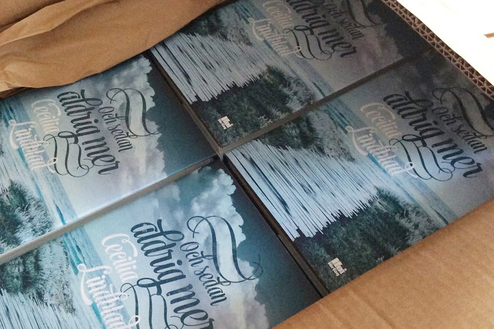 Nu har böckerna anlänt från tryckeriet!