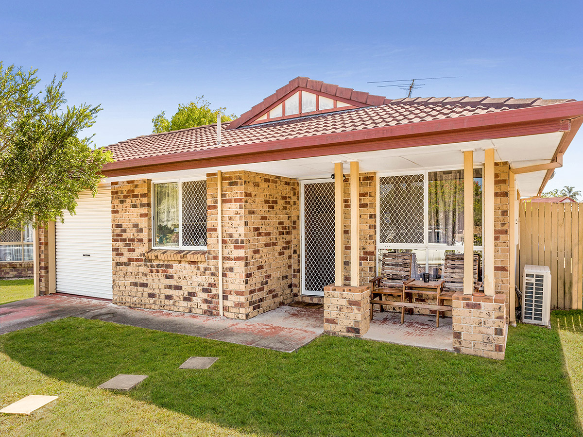 16 Dowling Crescent, Eagleby QLD 4207 - SOLD OFF-MARKET $270,000