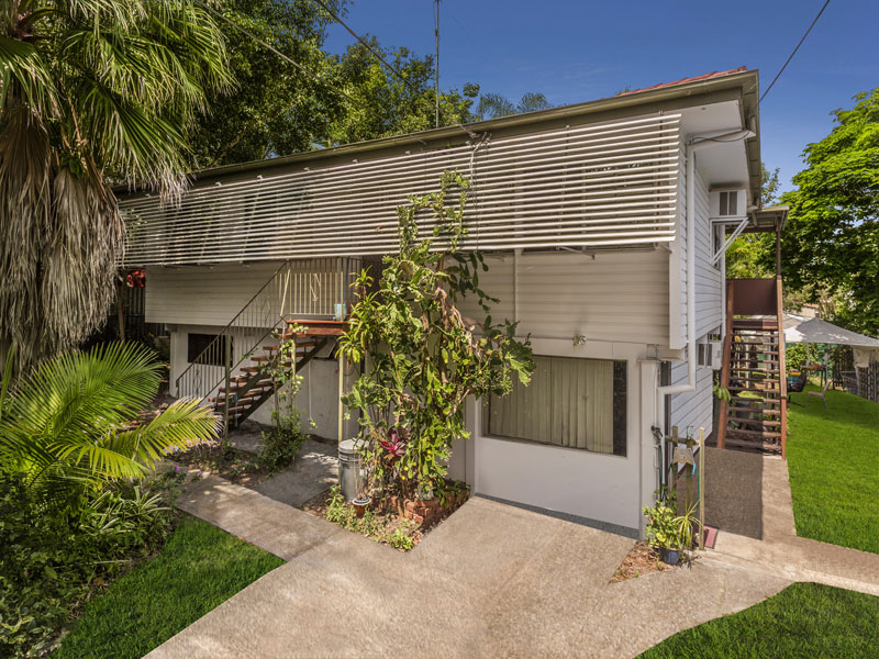 11 George Street, Kingston QLD 4114 - SOLD OFF-MARKET $265,000