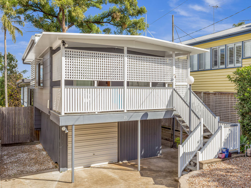 21 Cosker Street, Annerley QLD 4103 - SOLD $610,000