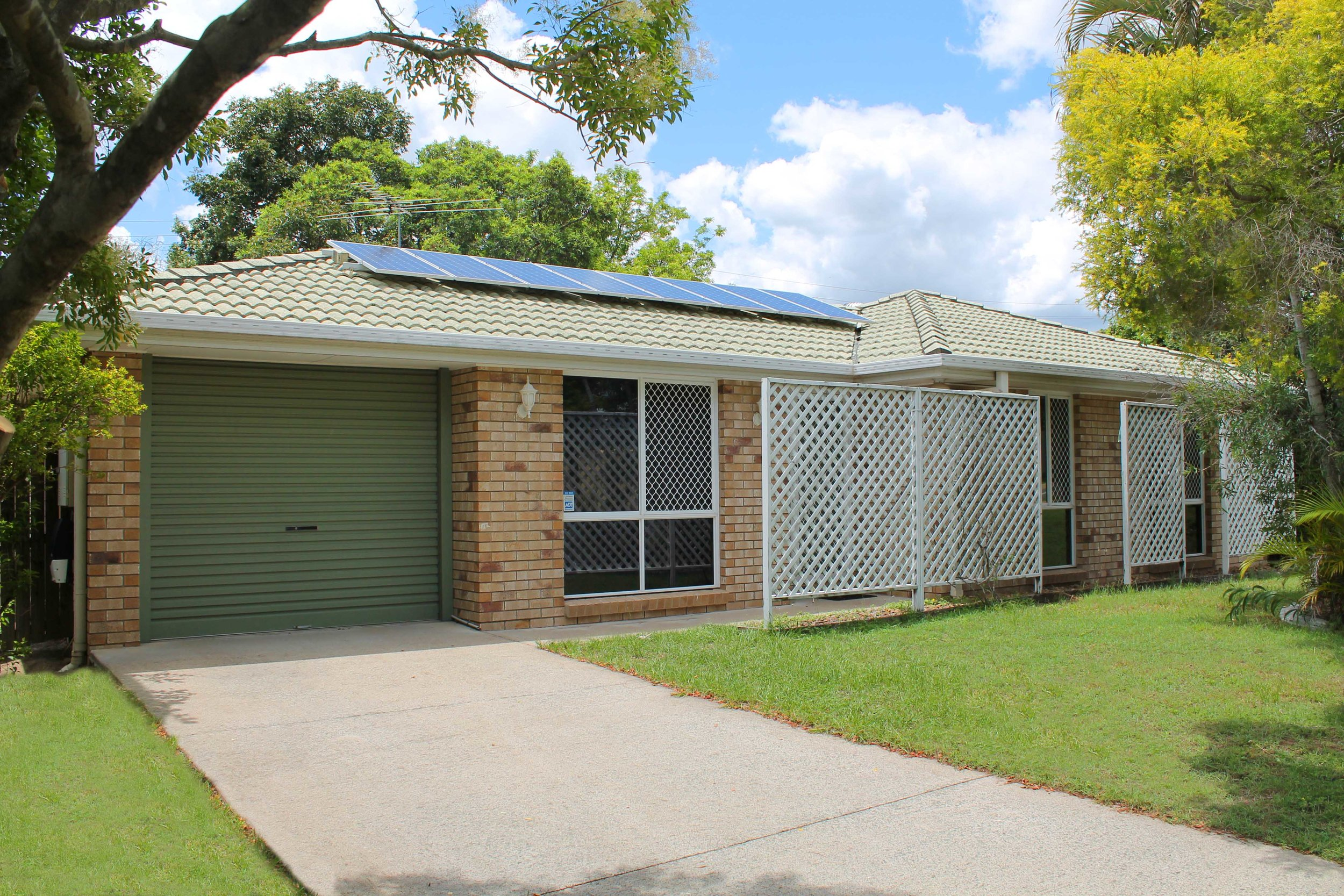 62 Bottlebrush Drive, Regents Park QLD 4118 - SOLD OFF-MARKET $323,000