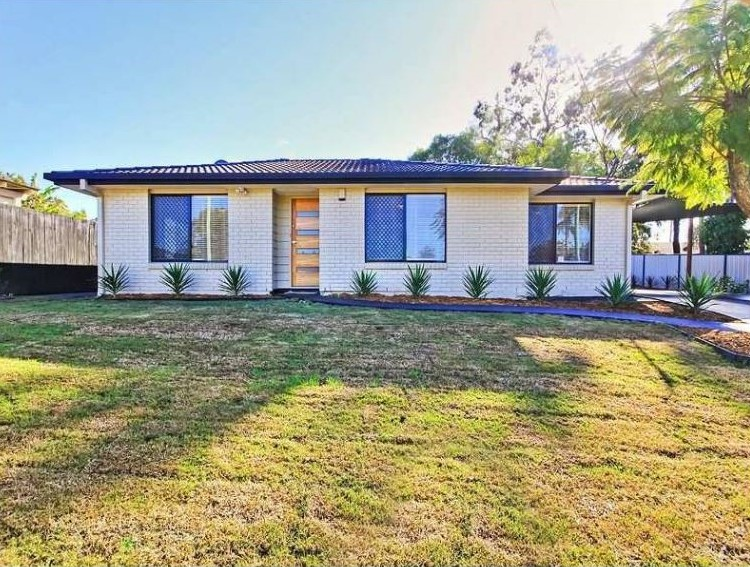 59 Sunscape Drive, Eagleby QLD 4207 - SOLD OFF-MARKET $322,000
