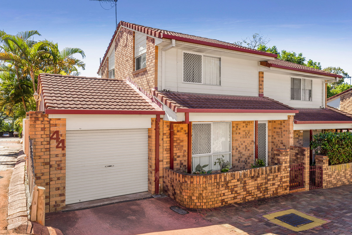44/3809 Pacific Highway, Tanah Merah QLD 4128 - SOLD $215,000