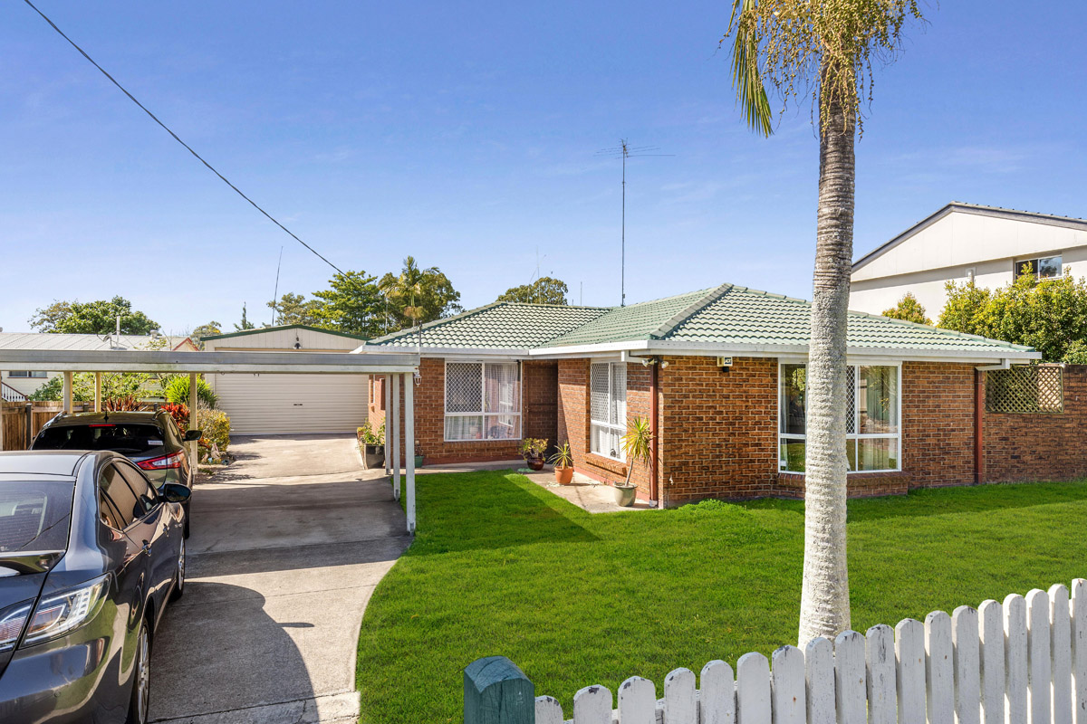 10 Dongarven Drive, Eagleby QLD 4207 - SOLD $340,000