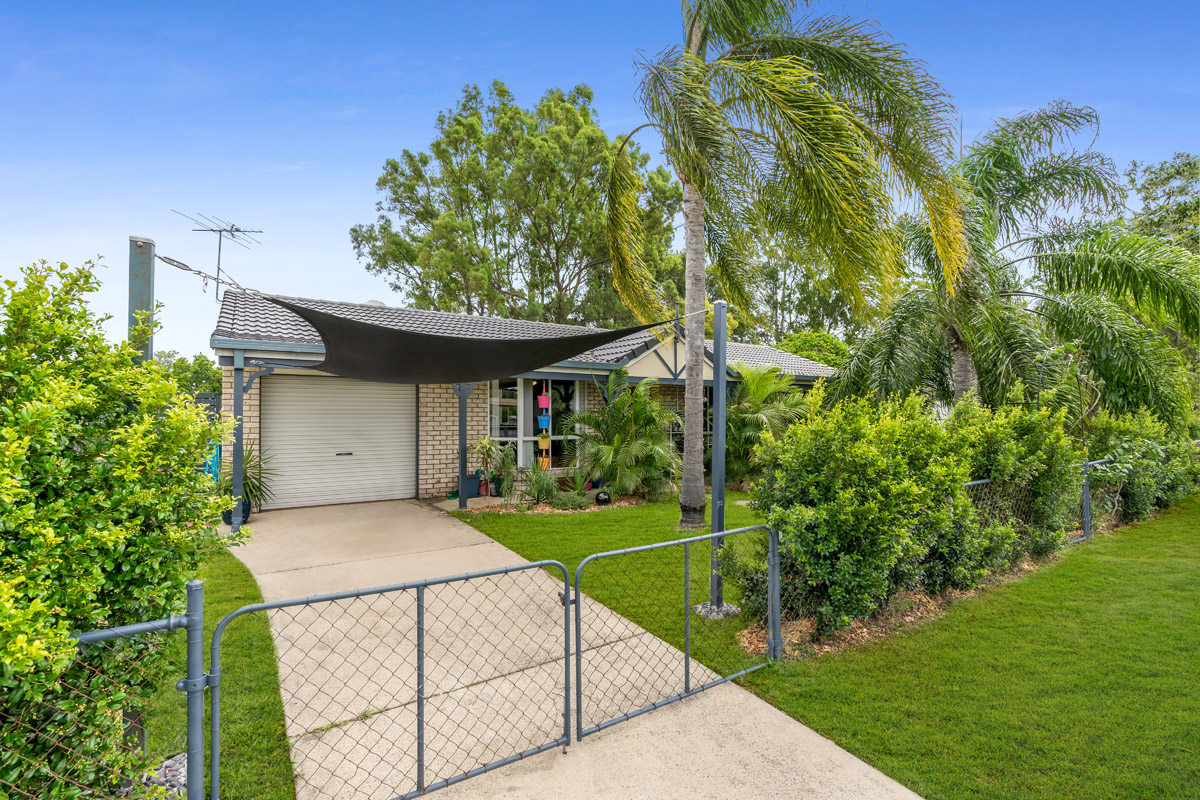 8 Shirley Street, Eagleby QLD 4207 - SOLD OFF-MARKET $338,000