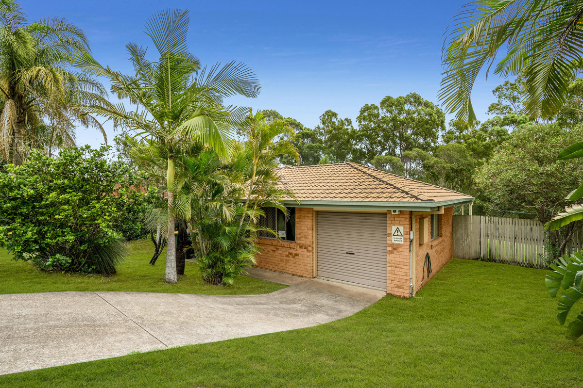 42 Copperfield Drive, Eagleby QLD 4207 - SOLD OFF-MARKET $324,000