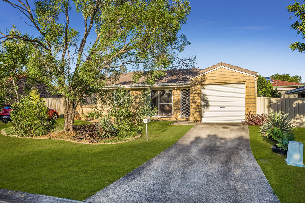 7 Dowling Crescent, Eagleby QLD 4207 - SOLD $294,000