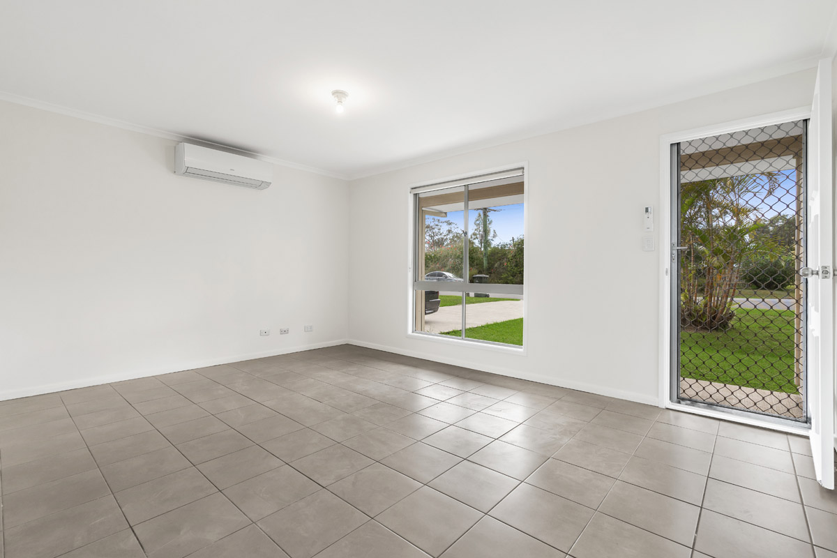 24 Shmidt Road, Eagleby - (8)(Web).jpg