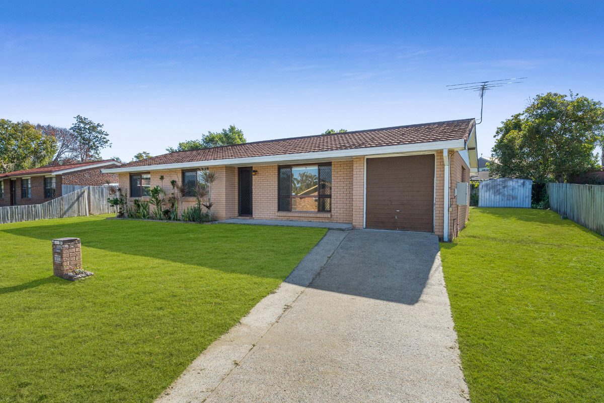 11 Yeomans Street, Mt Warren Park QLD 4207 - SOLD $345,000