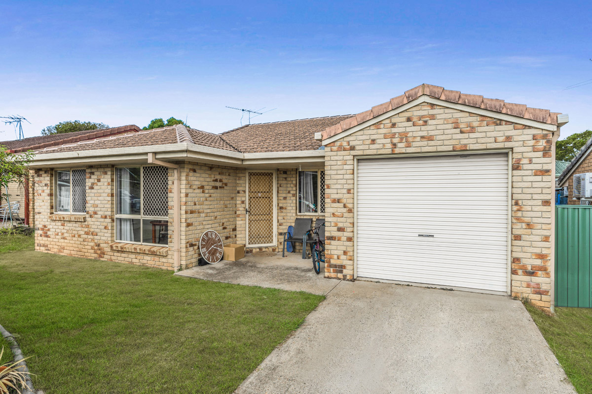 13 Mclean Street, Eagleby QLD 4207 - SOLD OFF-MARKET $298,000