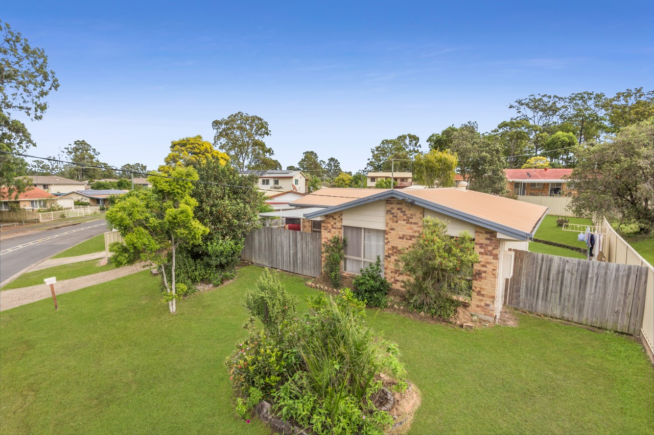 26 Sunscape Drive, Eagleby QLD 4207 - SOLD OFF-MARKET $307,000