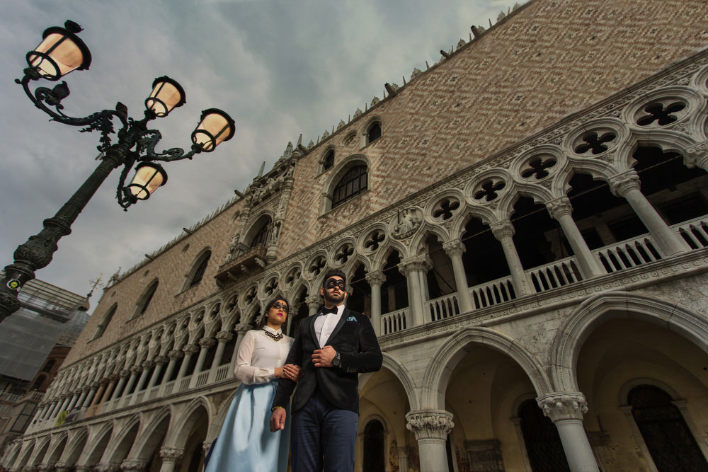0.0.1 Italy Venice Gondola San Marco - Pre Wedding Proposal Wedding Engagement Shoot_0002.jpg