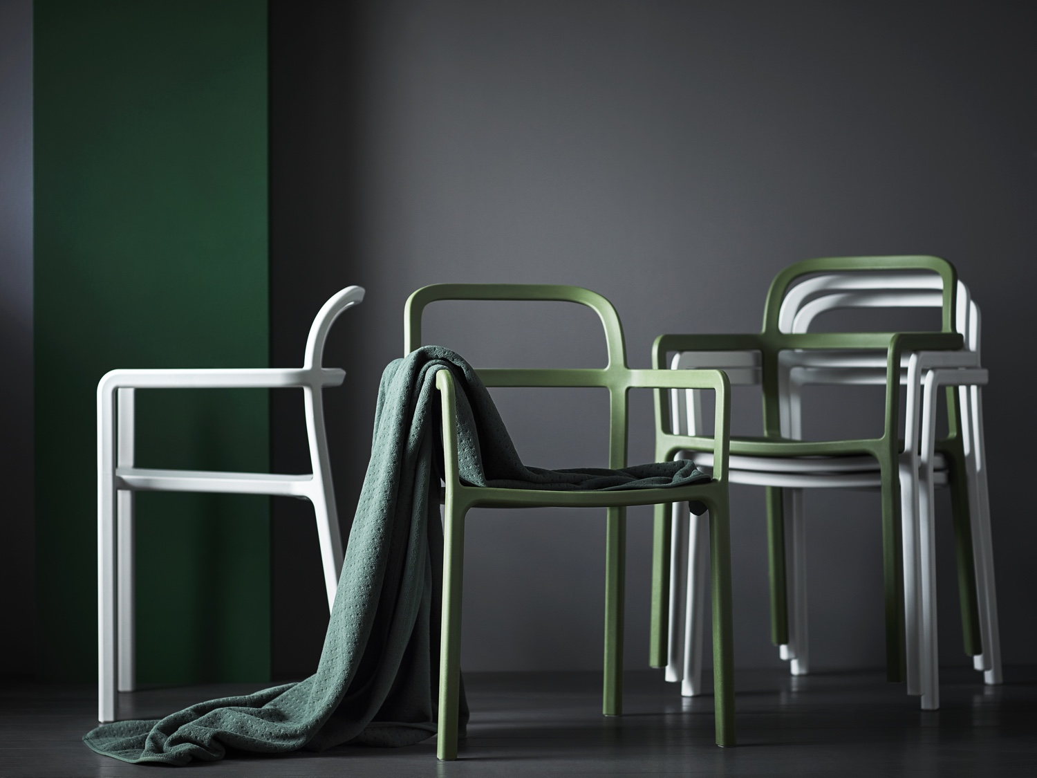 YPPERLIG-chair-with-armrests