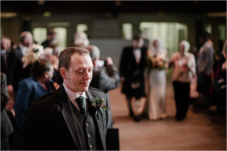 Edinburgh-wedding-photographer-Central-Hall_0020.jpg