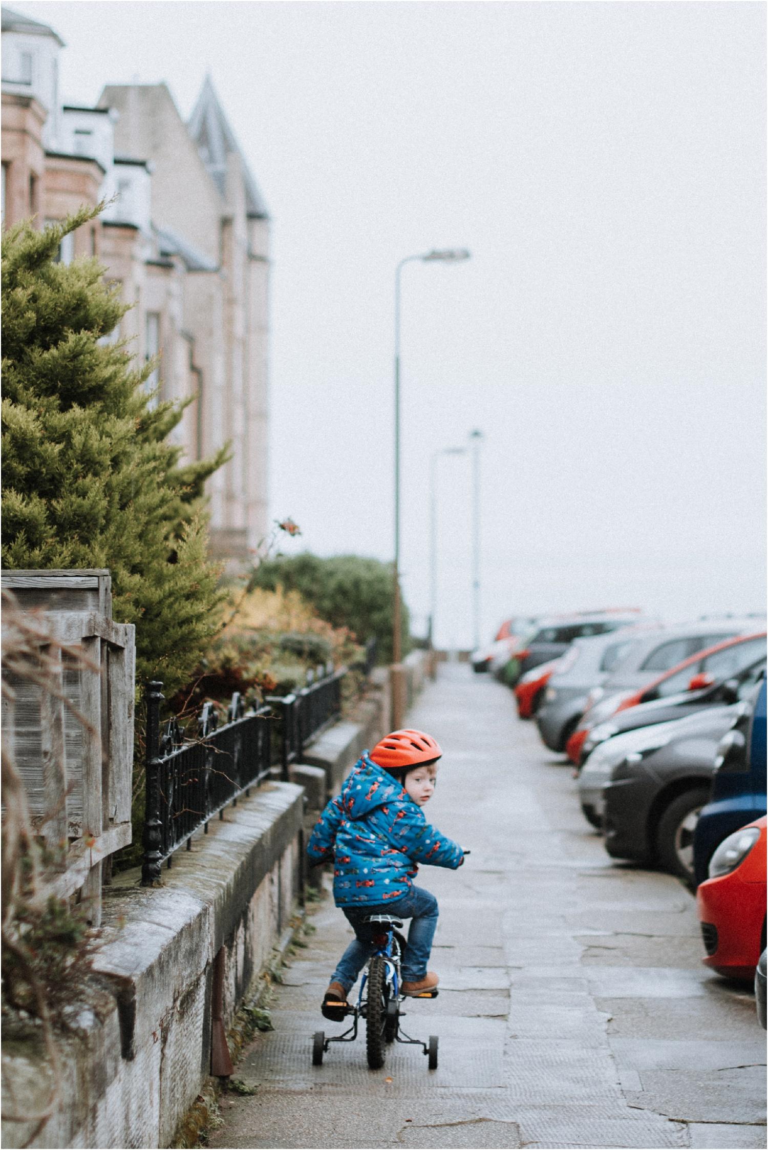 Edinburgh-Family-Photographer_TheMontgomerys_0024.jpg