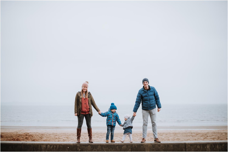 Edinburgh-Family-Photographer_TheMontgomerys_0028.jpg