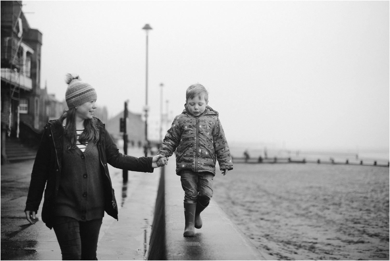 Edinburgh-Family-Photographer_TheMontgomerys_0050.jpg