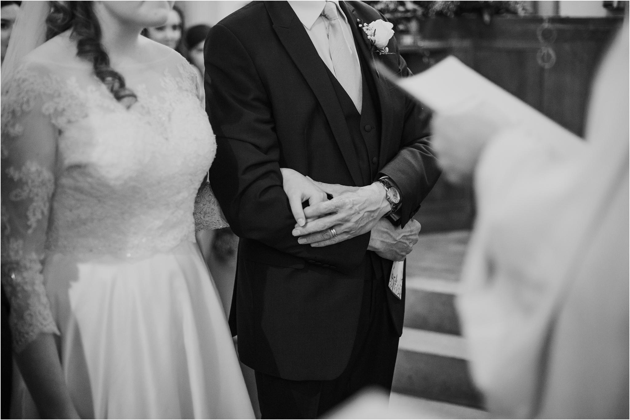 Outdoor-country-wedding-Edinburgh-photographer__0065.jpg
