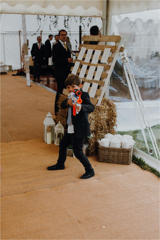 Outdoor-country-wedding-Edinburgh-photographer__0096.jpg