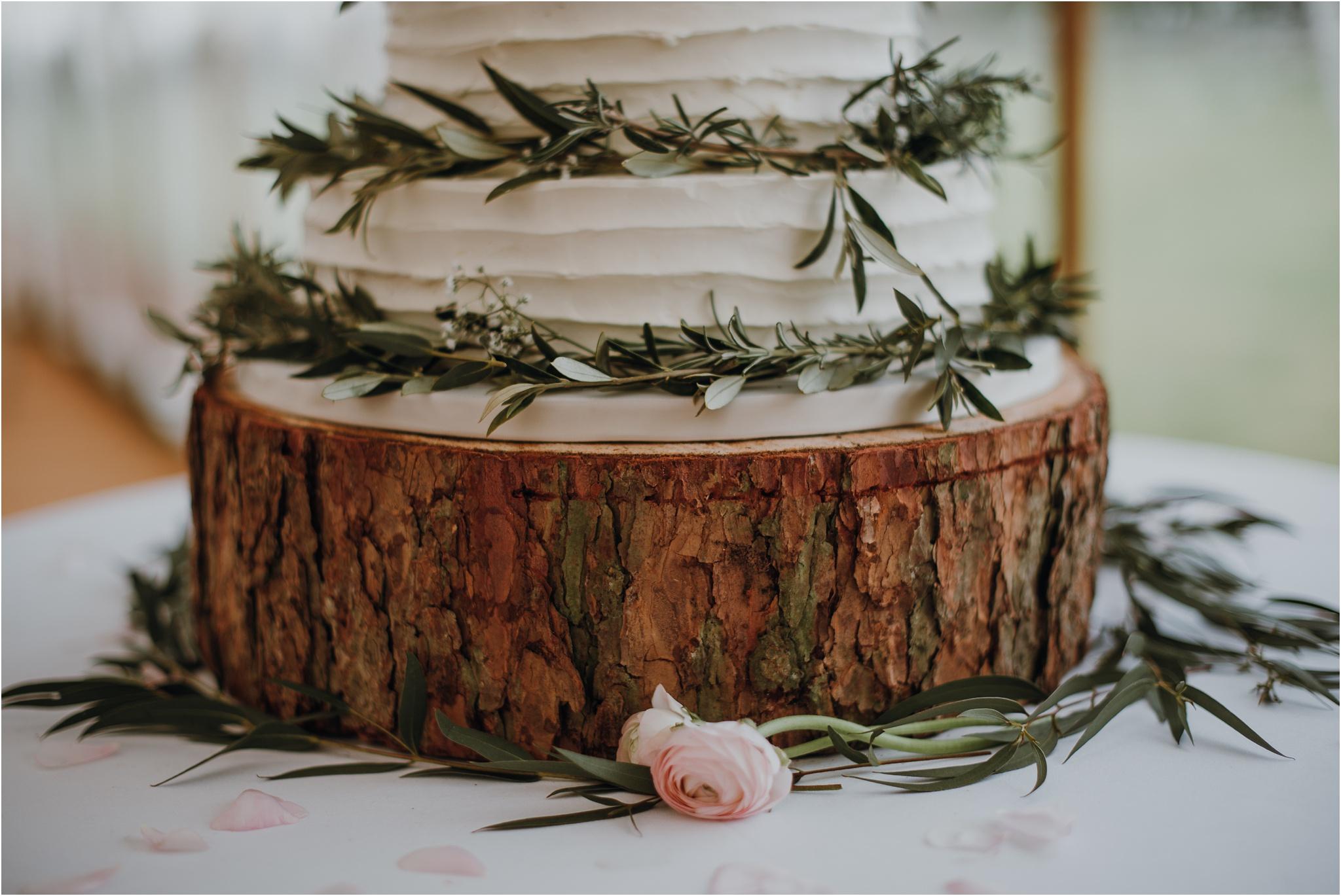Outdoor-country-wedding-Edinburgh-photographer__0113.jpg