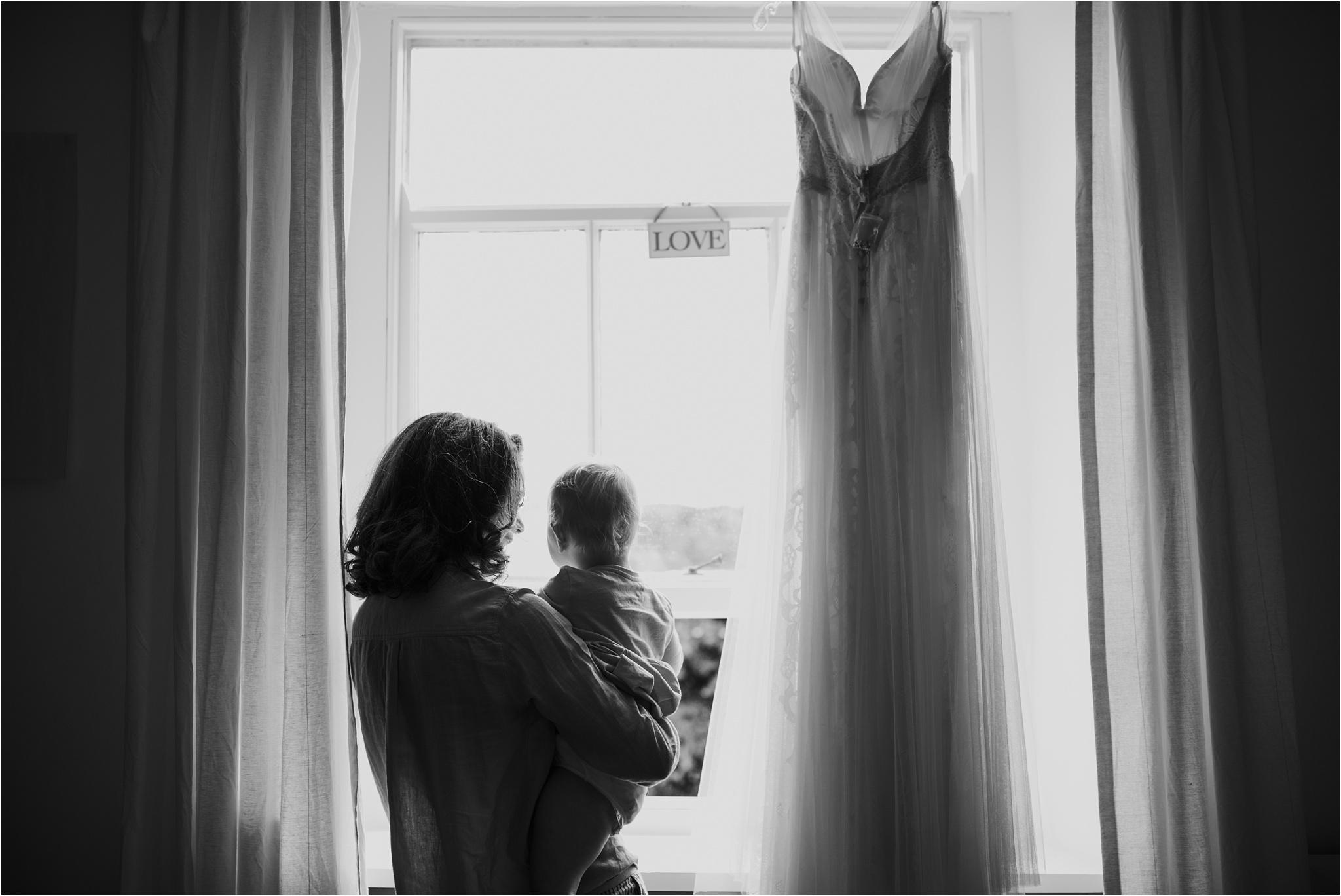 Outdoor-country-wedding-Edinburgh-photographer__0165.jpg