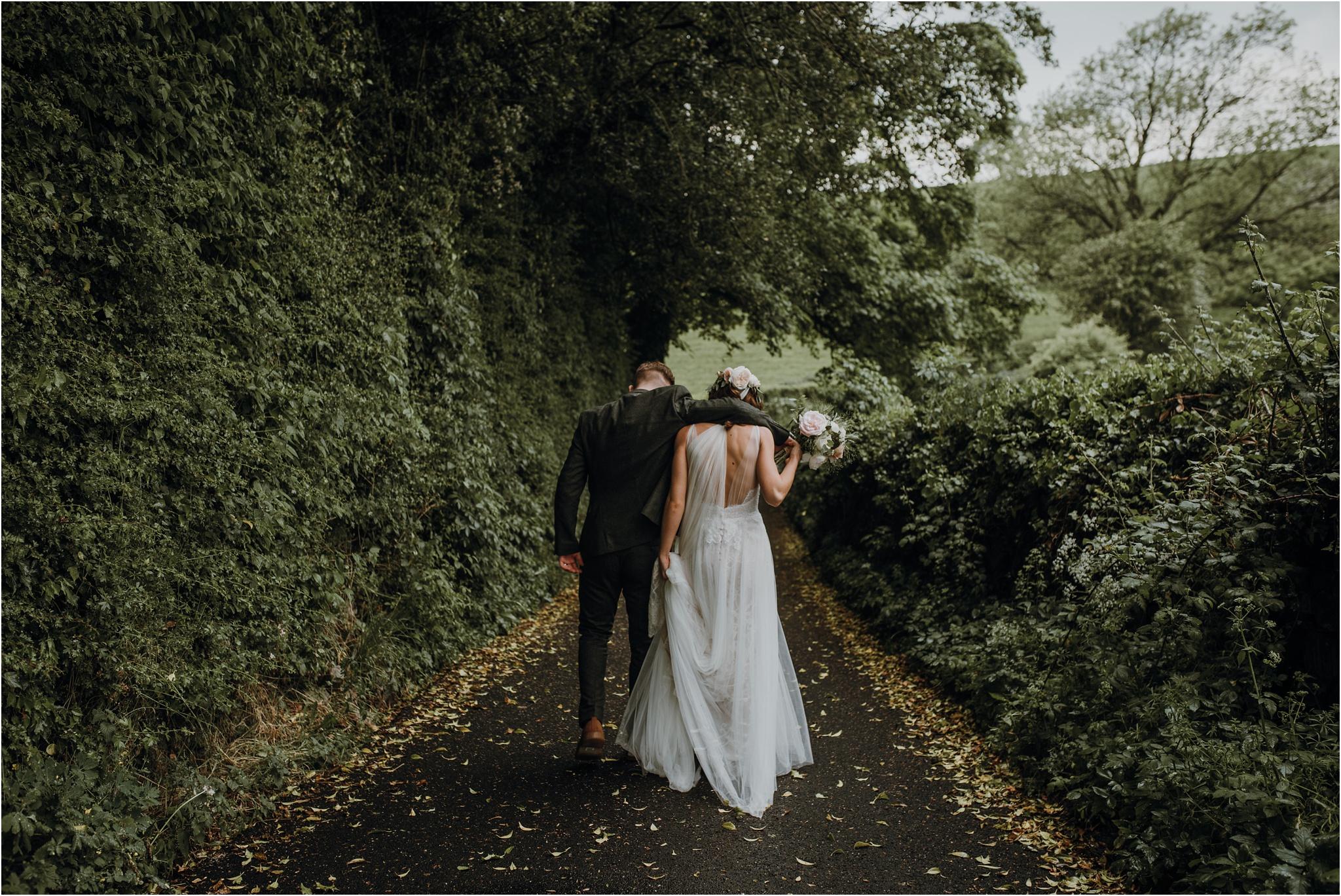 Outdoor-country-wedding-Edinburgh-photographer__0202.jpg