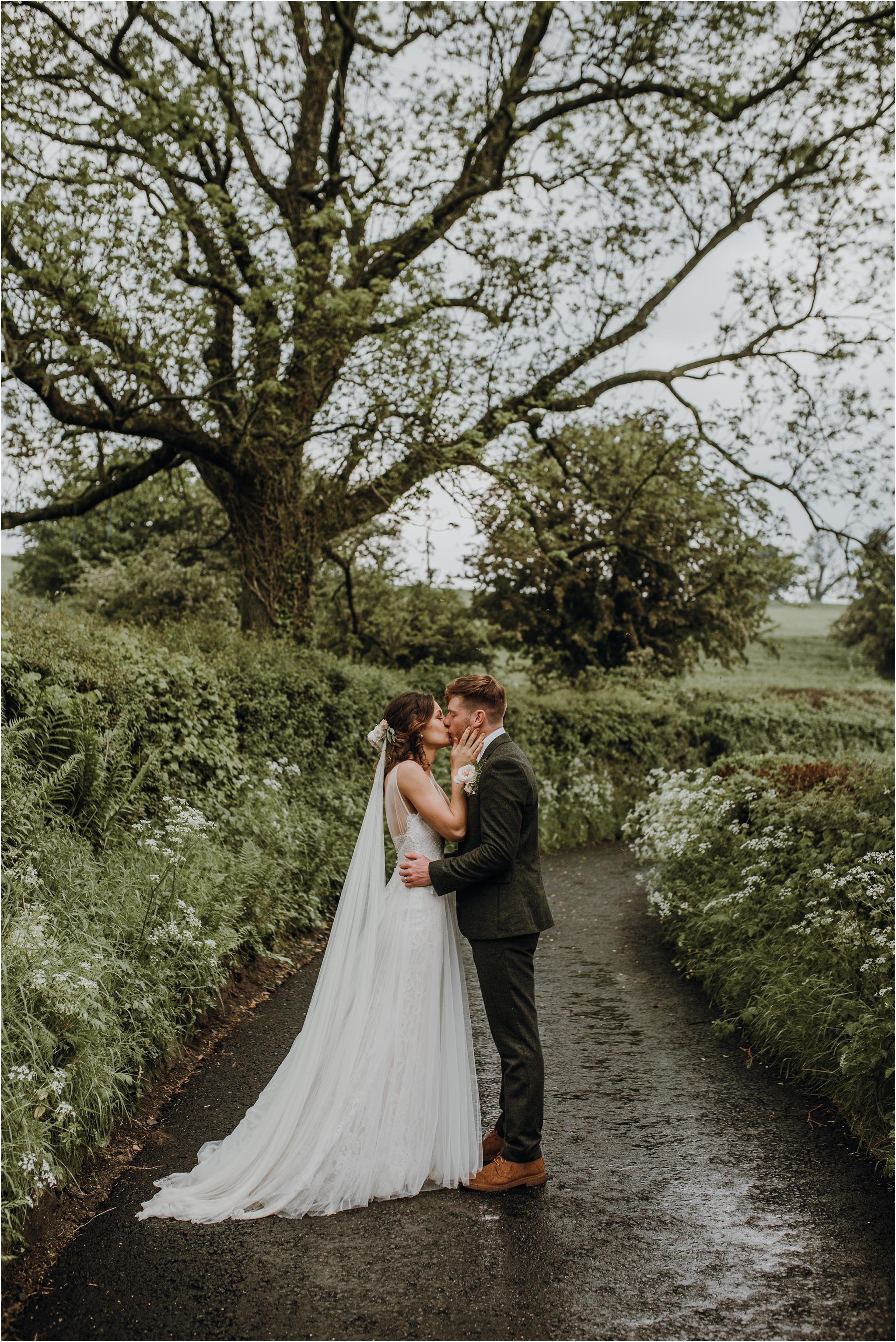 Outdoor-country-wedding-Edinburgh-photographer__0207.jpg