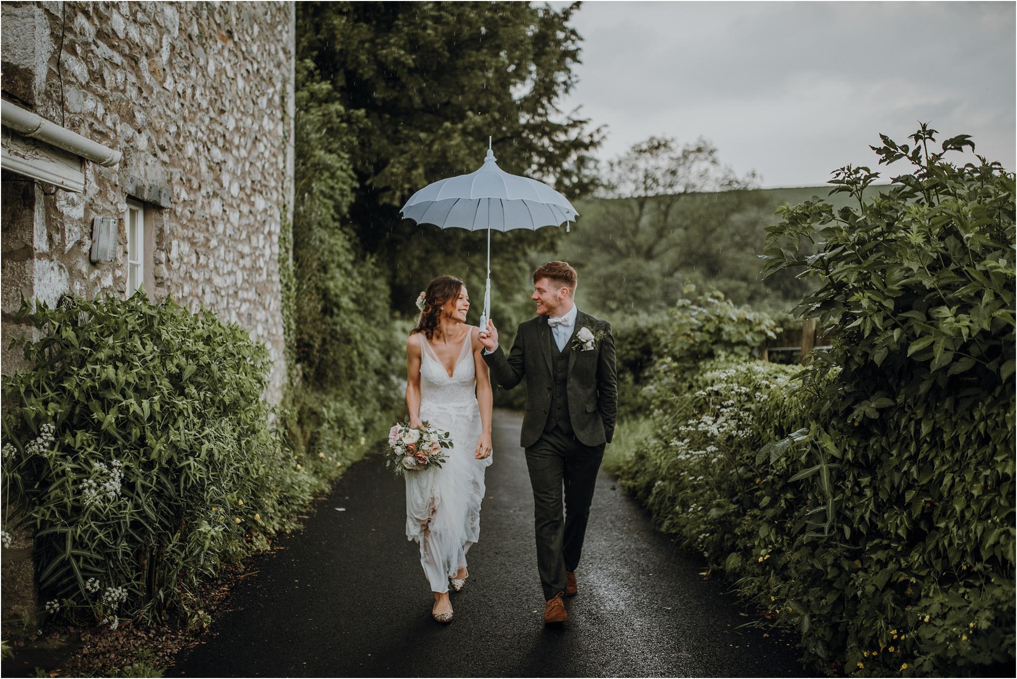 Outdoor-country-wedding-Edinburgh-photographer__0215.jpg