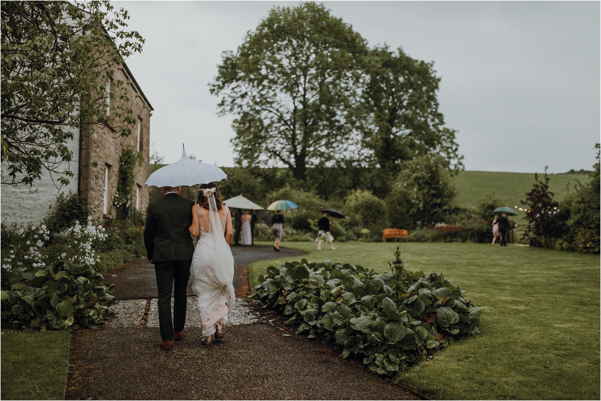 Outdoor-country-wedding-Edinburgh-photographer__0216.jpg