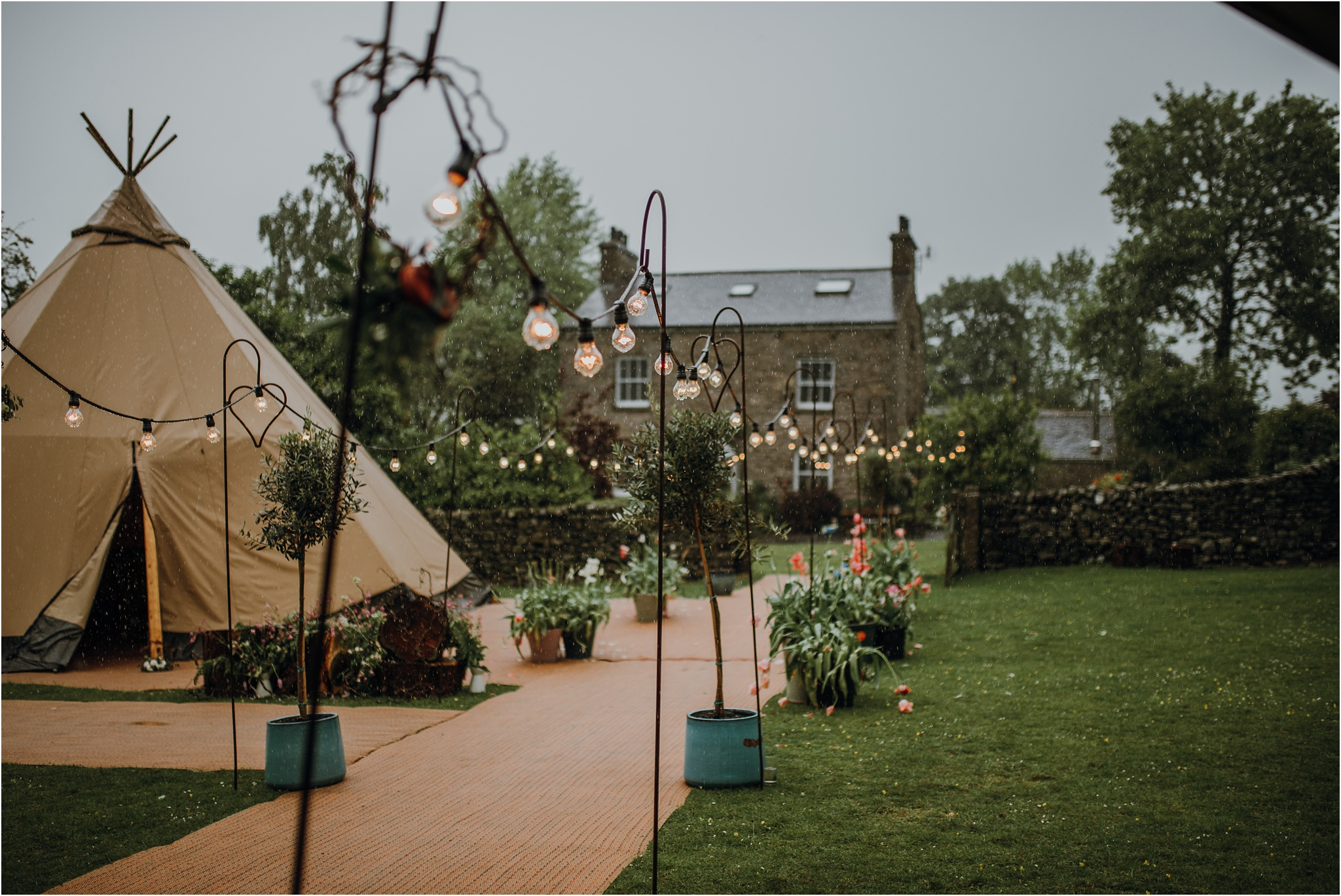 Outdoor-country-wedding-Edinburgh-photographer__0226.jpg