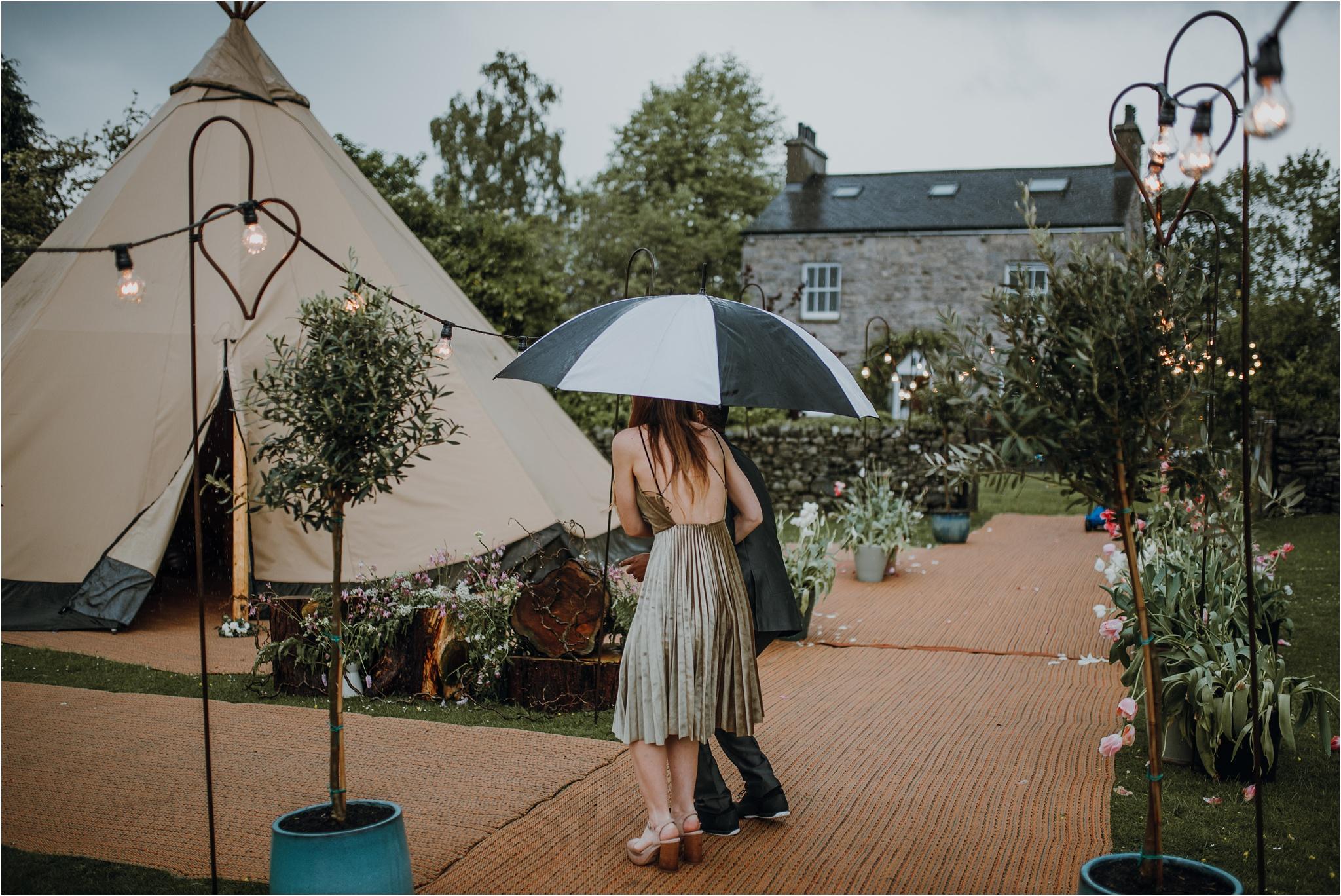 Outdoor-country-wedding-Edinburgh-photographer__0267.jpg